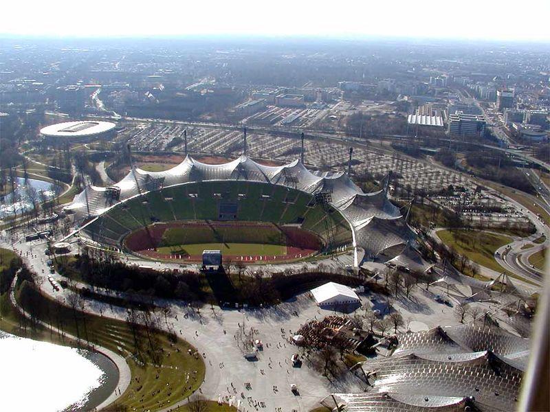 Archivo:Olympiastadion 1.jpg