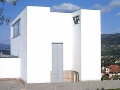 Iglesia de Santa María y centro parroquial de Marco de Canaveses. (1990-1996)