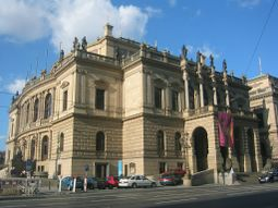 Praha Rudolfinum 2003.jpg