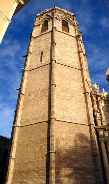 Archivo:València micalet.jpg