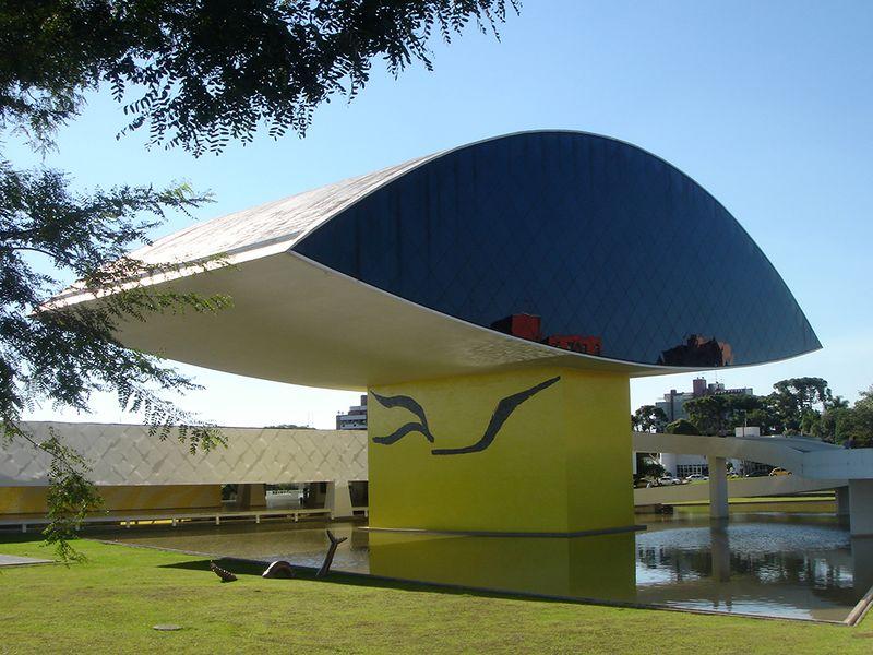 Archivo:Olho Neimayer Curitiba 03 2007.jpg