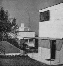WalterGropius.Casa17Weissenhof.1.jpg