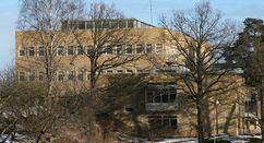Laboratorios bacteriológicos del estado]], Estocolmo (1933-37)