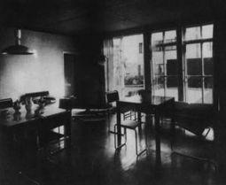 WalterGropius.Casa16Weissenhof.3.jpg