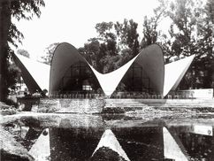 Restaurante Los Manantiales, Xochimilco, México. (1956-1957)