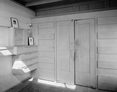 Lovell House bedroom interior HABS CAL,30-NEWBE,1-10.jpg