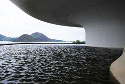Niemeyer.MuseoNiteoi.4.jpg