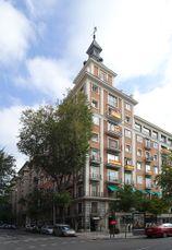 Edificio de viviendas en calle de Quintana con vuelta al Paseo del Pintor Rosales, Madrid (1946-1950)