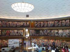 Biblioteca publica de Estocolmo.1.jpg
