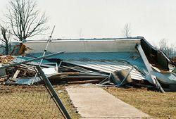 Colapso por acción de un tornado [1]
