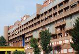 Unidad residencial en la zona del Barrio Gallaratese, Milán, Italia. (1968-1973), con Carlo Aymonino.