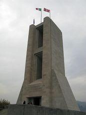 Terragni.MonumentoCaidosComo.jpg