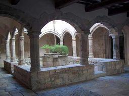 Patio del Palacio Abacial, antiguo Hospital de los Pobres.