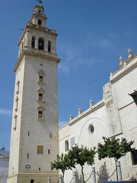 Lebrija. Iglesia de la Oliva. Exterior1.JPG
