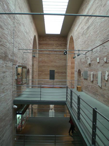 Archivo:Moneo.MuseoArteRomano.5.jpg