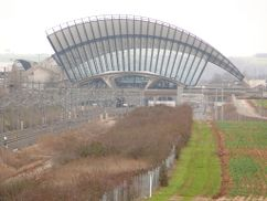 Estación ferroviaria aeropuerto Lyon-Saint Exupéry, Satolas, Francia. (1989-1994)