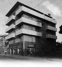 Edificio de Viviendas en Via Giuseppe Garibaldi, Bérgamo (1950)