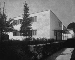 WalterGropius.Casa16Weissenhof.1.jpg