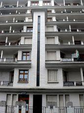 Immeuble Sauvage - piscine des amiraux - staircase rue des amiraux.JPG