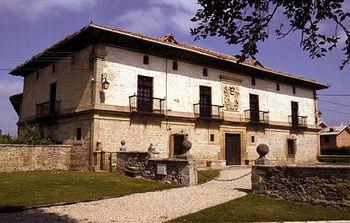 Palacio Otazu.jpg