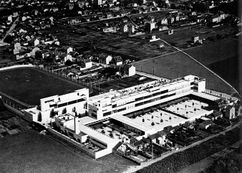 Grupo escolar Karl Marx, Villejuif (1930)