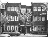 Dos casas en Eikstraat, La Haya (1920), junto con Bernard Bijvoet.