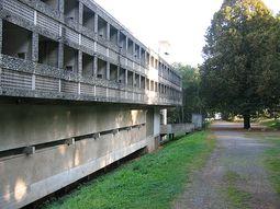 LeCorbusier.Convento La Tourette.4.jpg
