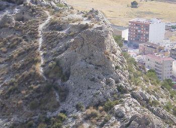 Restos del Castillo de Salvatierra en la Sierra de La Villa