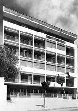 Edificio de viviendas en Av Sofias, Atenas (1955-1956)