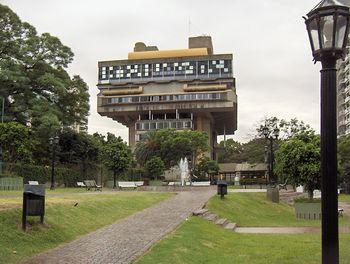Edificio de la Biblioteca Nacional, inaugurado el 10 de abril de 1992