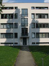 Mies van der Rohe.Apartamentos Weissenhof.3.jpg