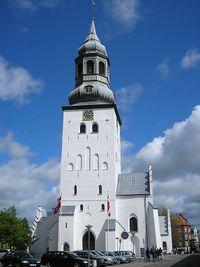 La catedral de Aalborg desde el occidente.
