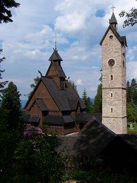 Otra vista de la iglesia.