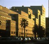 Edificio L'Illa en la Avenida Diagonal, Barcelona (1986-1993)