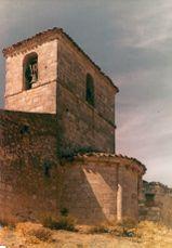 Ábside y torre de la ermita de Reveche