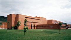Centro de Formación Profesional, Pamplona (1974) junto con Julio Cano Lasso