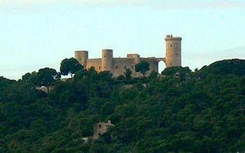El castillo de Bellver desde el levante