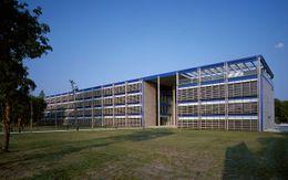 Sede de Electricité de France Regional, Burdeos, Francia (1992-1996)