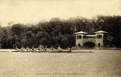 Club náutico en el lago Mendota, Madison (1893)