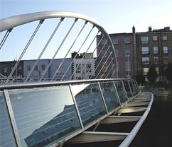 Puente James Joyce, Dublín, Irlanda. (1998-2003)