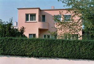 Weissenhof photo house south west façade Bourgeois Stuttgart Germany 2005-10-08.jpg