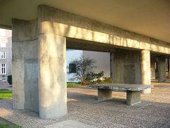 Le Corbusier.Pabellon suizo.3.jpg