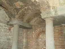 Galeria de grutas del jardin de Felipe II.3.jpg