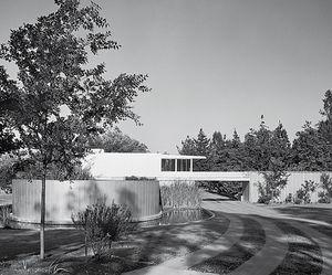 Richard Neutra.Casa von Sternberg.jpg