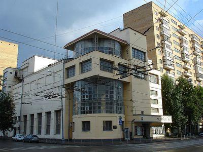 Ilya Golosov. Club de trabajadores de Zuev.jpg
