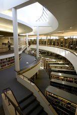 Biblioteca de la Abadía Benedictina de Mount Angel.4.jpg