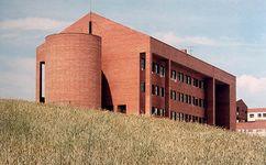 Colegio Público en San Sebastián de los Reyes, Madrid (1983)