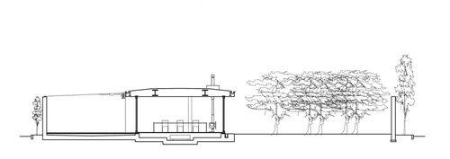 Casa con dos patios.Tezuka.seccion.jpg