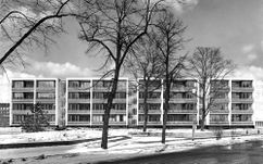 Viviendas en la Interbau, Berlín (1957), junto con Wassili Luckhardt