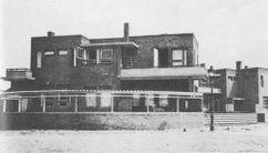 Casa en Doornstraat, La Haya (1922), junto con Bernard Bijvoet.